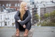 Vivie Ann (D)